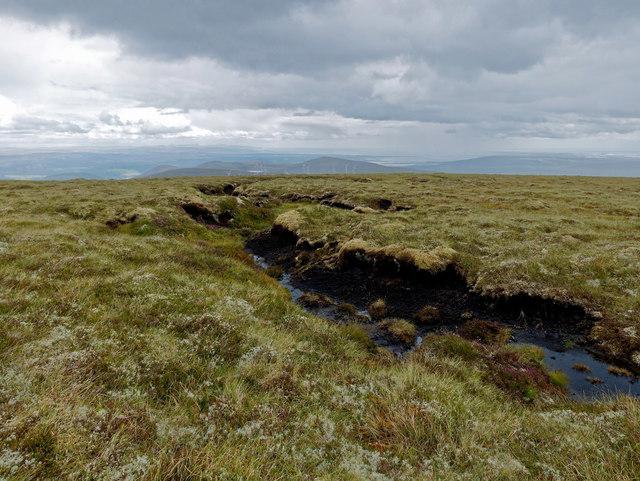 Northern summit of Beinn Tharsuinn