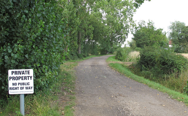 Private track to Rowe's Farm