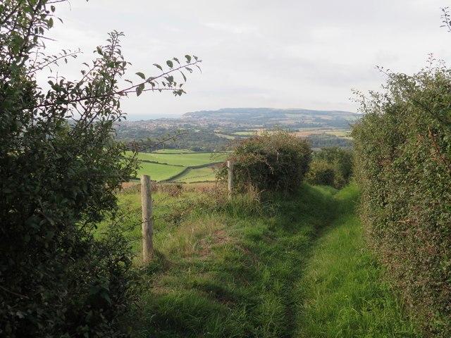 Public Bridleway B43 descending towards Alverstone, Isle of Wight