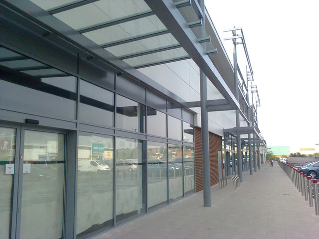 Footpath beside new retails units in Strood Retail Park