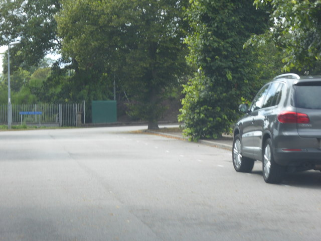 A corner from Harlaw Road into Bayview Road South