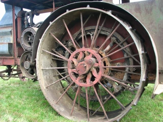 International Harvester Mogul 30-60 - detail