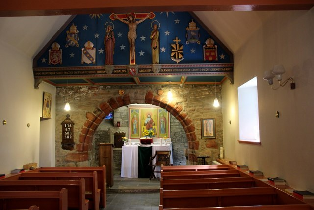 St Mahew's Chapel, interior