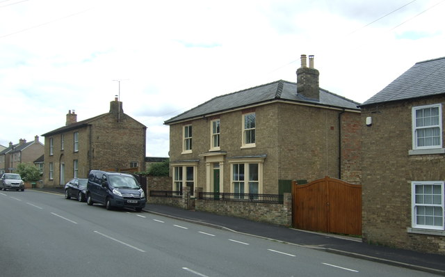 Houses on High Street, Sutton-in-the-Isle