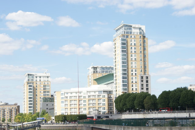 "View of Circus Apartments and Ron Arad's ""Windward"" from Canary Riverside #2"