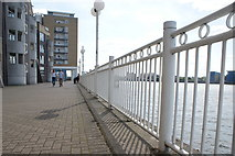 TQ3680 : View along the railings on the Thames Path towards Island Gardens by Robert Lamb