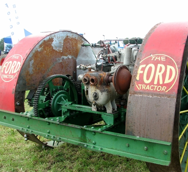 The Ford Tractor - engine