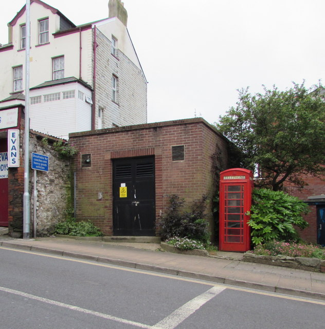 Electricity substation and red phonebox, Northfield Road, Ilfracombe