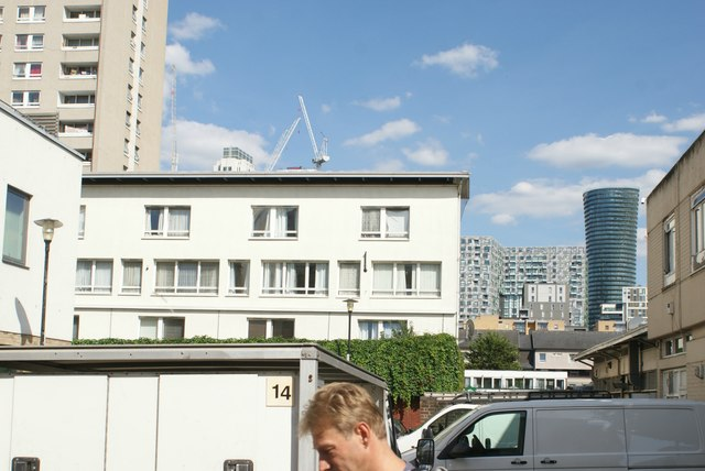 View of 14 Strafford Street and new apartments in Canary Wharf from Westferry Road
