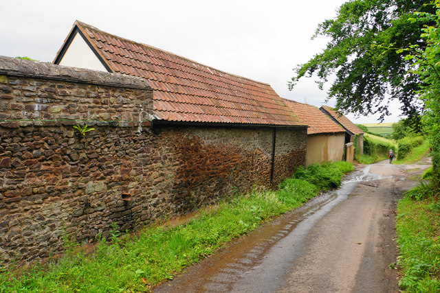 Lane passing Lower Pardlestone Farm