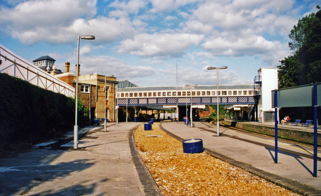 Lewes station, 2000: NW towards London