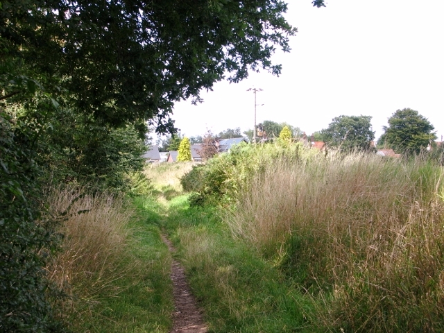 Narrow path to The Street