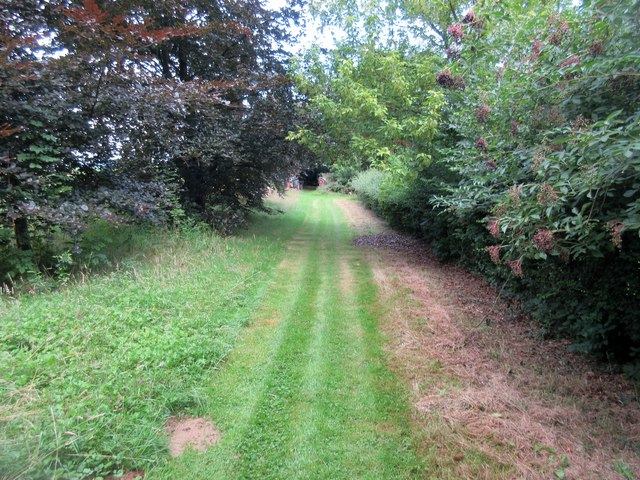 Footpath adjacent to Common Piece