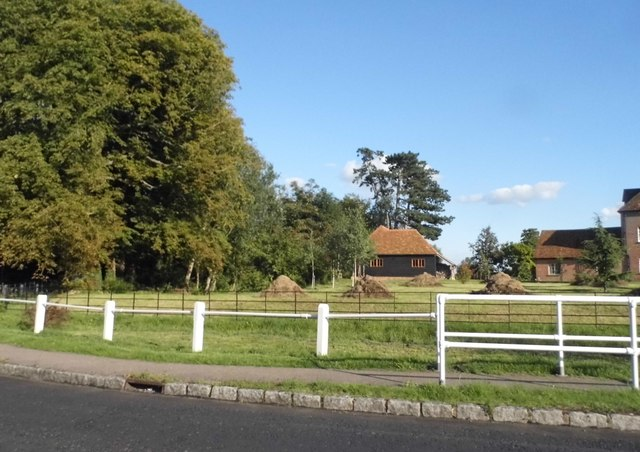 Garden by Manor Road, Oakley