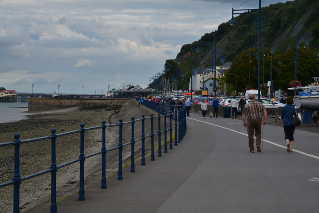 The Mumbles : Footpath
