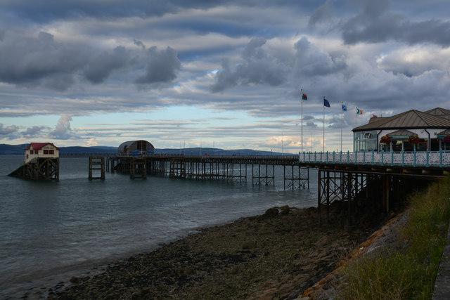 The Mumbles : Mumbles Pier