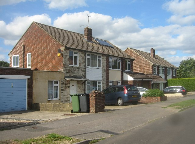 Houses in Hawthorn Way