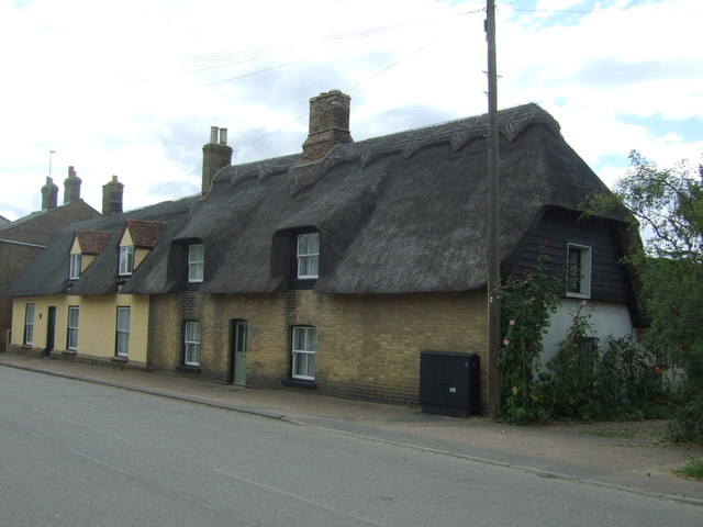 Thatched cottages on High Street, Cottenham