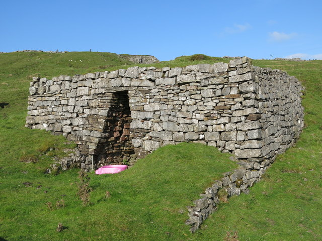 Lime kiln near High Greenfield (2)
