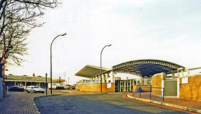 Lewisham stations, entrances, 2000