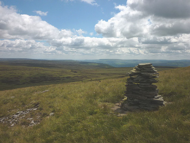 Cairn on Lovely Seat
