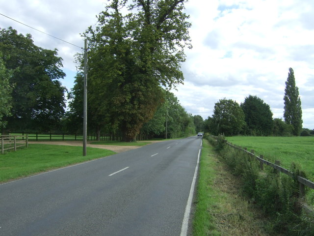 Looking south on Clayhithe Road