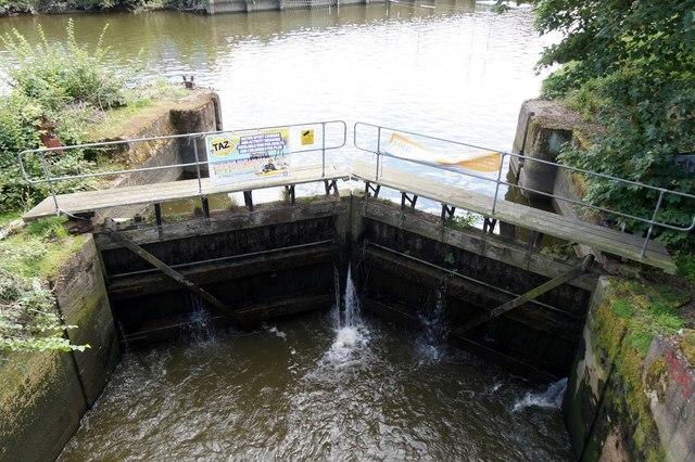 Leaky lock at Ham Lands