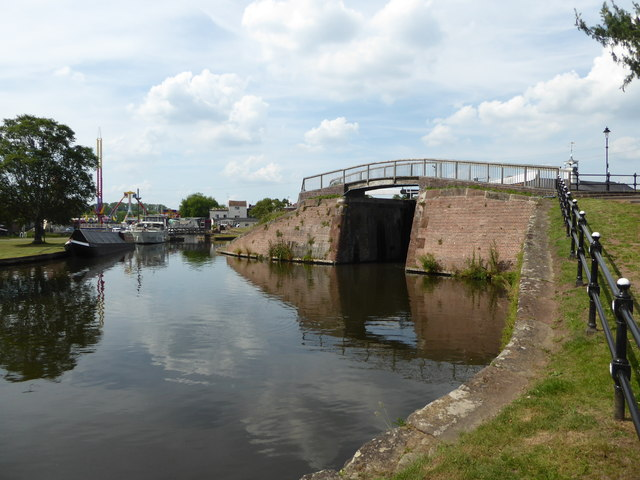 Stourport dock - basin