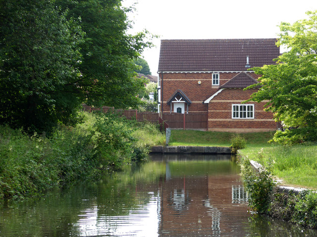 An arm off the Staffordshire and Worcestershire Canal