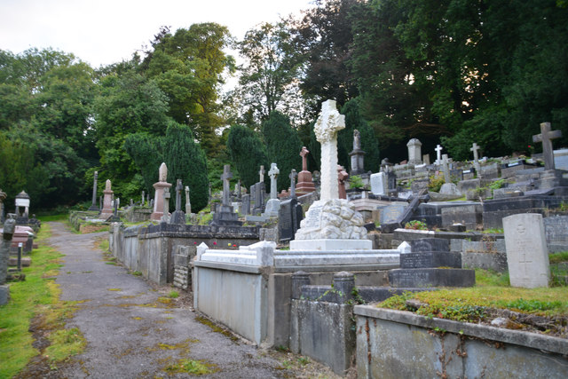The Mumbles : Oystermouth Cemetery