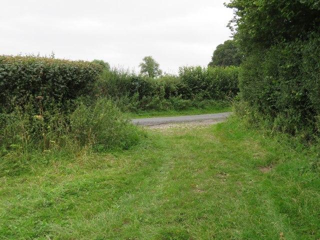 Footpath meets Farleigh Lane
