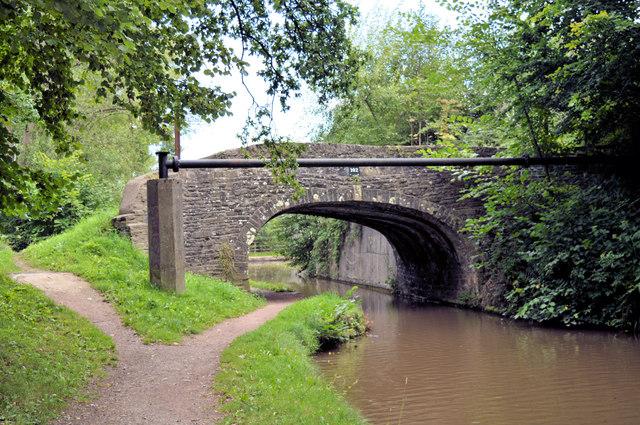 Ty-Gwyn bridge (no 102), Mon and Brec canal