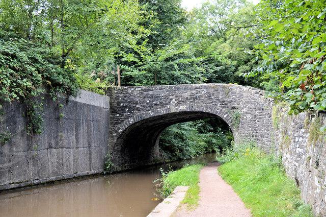 Ty-Gwyn bridge ( No 102), Mon and Brec canal