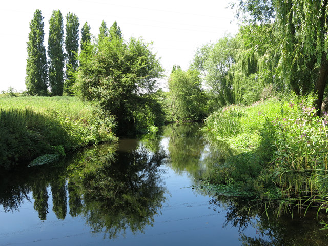 The River Colne west of Wallingford Road