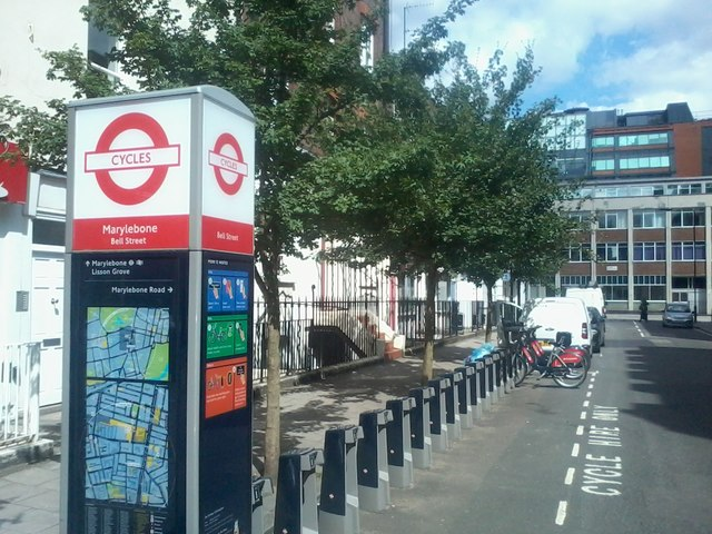 London Cycle hire station on Bell Street