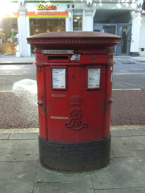 Double Edward VII postbox on Gray's Inn Road, London WC1