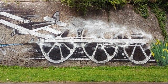 Yeovil: Mural at Hendford Halt