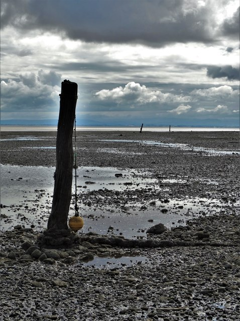 Old mooring posts and the shoreline at Carsethorn (II)