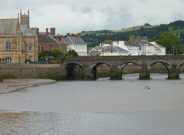 Long Bridge and museum, Barnstaple