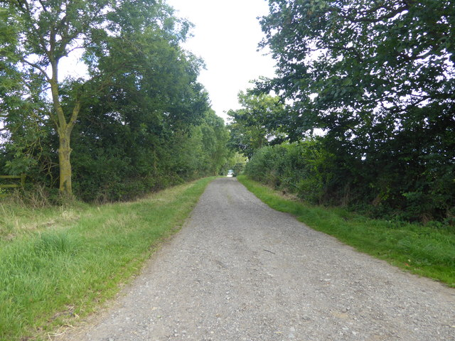 Farm track off Stragglethorpe Lane