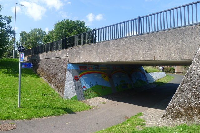 The Abbotsford Link footpath beneath Tweedbank Drive