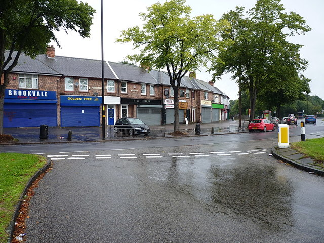 Shops and business on Brookvale Road