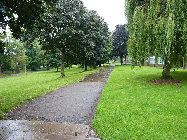 Lakeside Walk in Brookvale Park