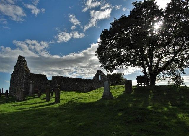 Ruined parish church and graveyard at Girthon