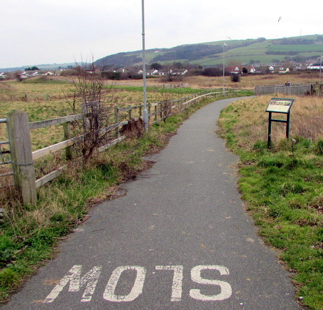 Combined cycleway and footpath near Barkby Avenue, Prestatyn