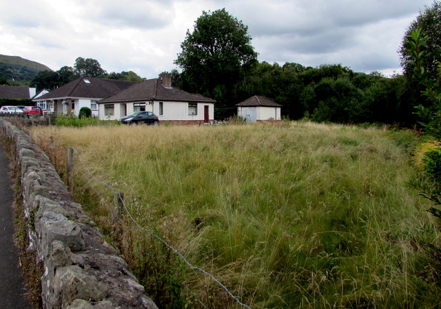 Grassy area near bungalows in Gilwern