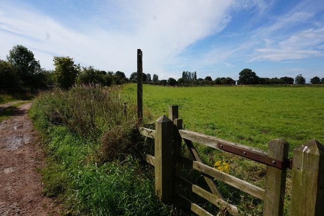 Path leading to Hempholme
