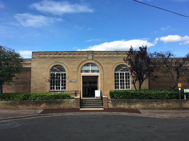 Entrance to Beeston Library
