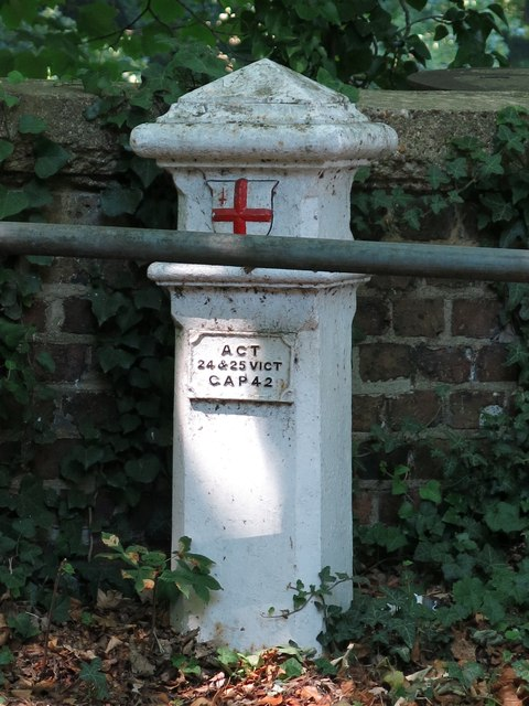 Coal and wine tax post no.67, Iver Lane bridge over the River Colne