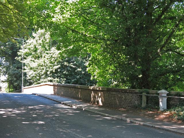 The Iver Lane bridge over the River Colne (3)